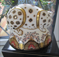 Royal Crown Derby Paperweight - Snow Leopard